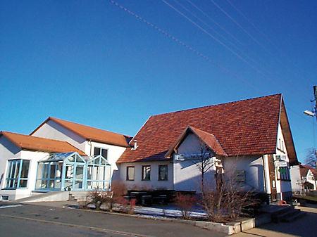 Gemeindesaal mit Kegelbahn und Wirtshaus