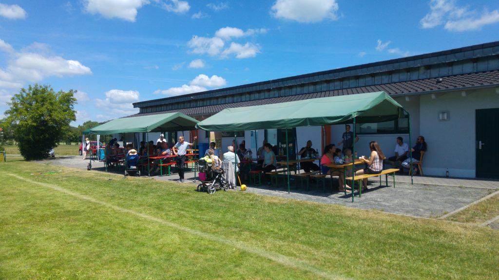 Gemütliches Beisammensein zum Familiensportfest in Gompertshausen