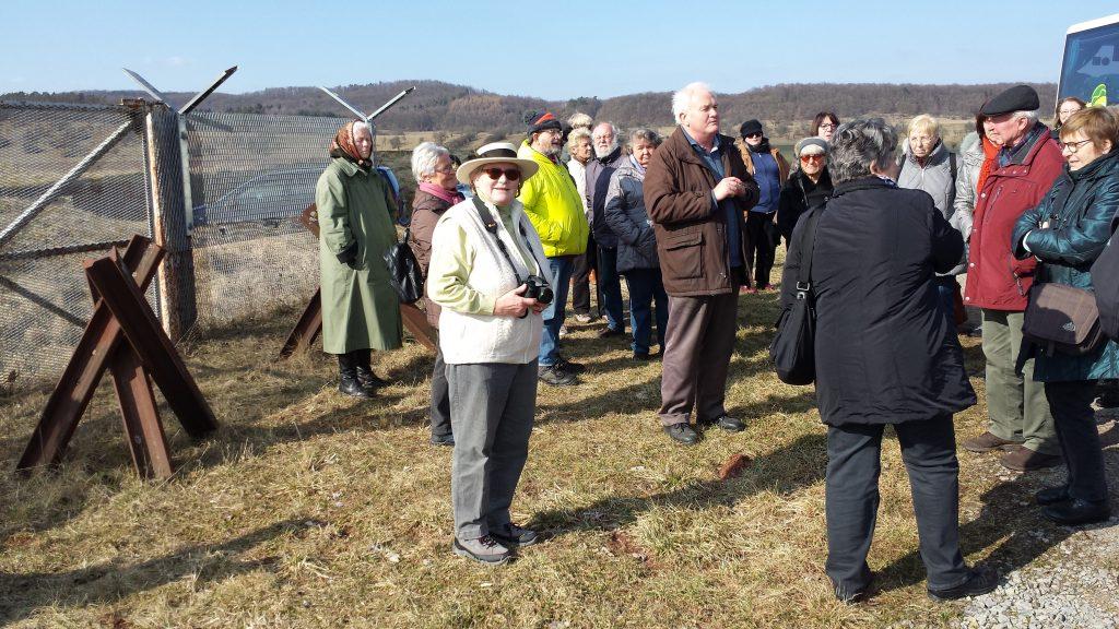 Die Gäste besuchten die innerdeutsche Grenze nahe Gompertshausen.